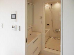 [マンションリフォーム]洗面化粧台・システムバス:施工後