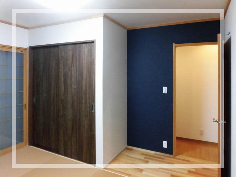 茅ヶ崎市[戸建住宅リフォーム]:アクセントクロスなど、奥様のセンス溢れる仕上がり。